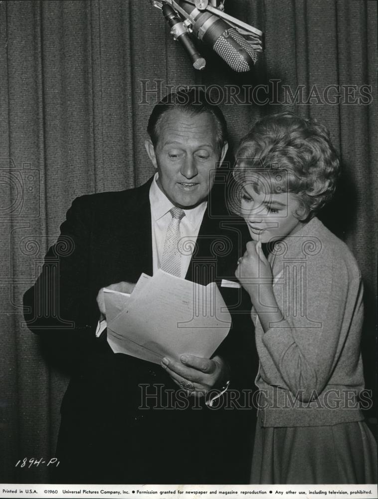 1960 Press Photo Art Linkletter giving tips to Sandra Dee - orx00733