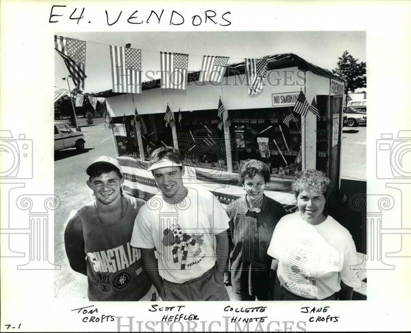 1991 Press Photo Fireworks sold at this stand pay for a trip to Rio de Janeiro. - Historic Images