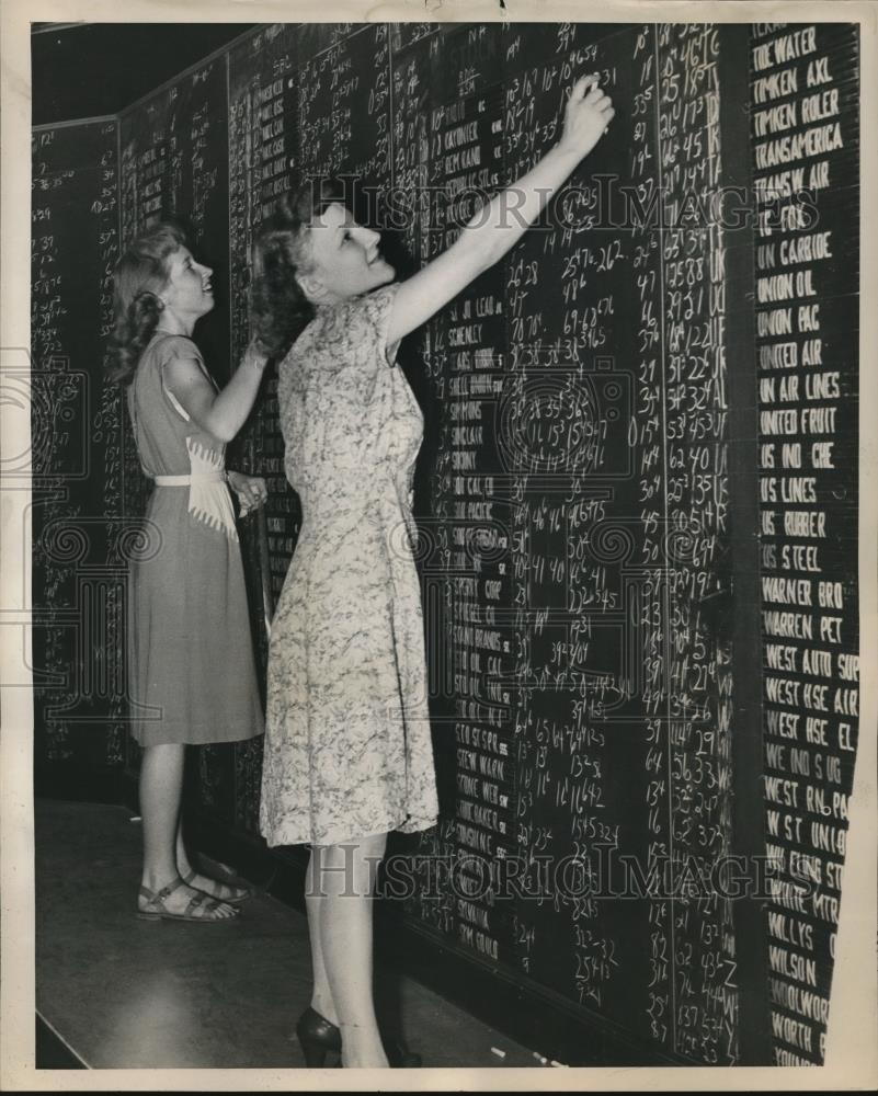 1946 Press Photo Stock Market Board Markers Kept Busy During The Week - orb13857 - Historic Images