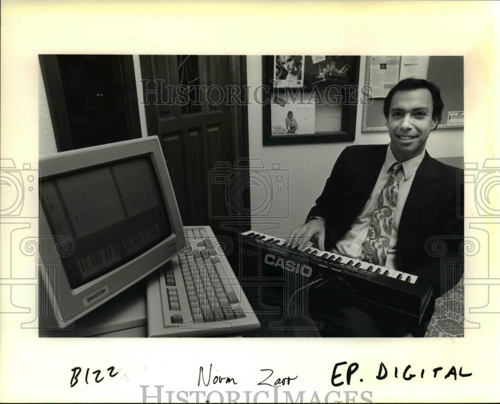 1991 Press Photo Norm Zarr Markets Software for Beginners to Learn Music
