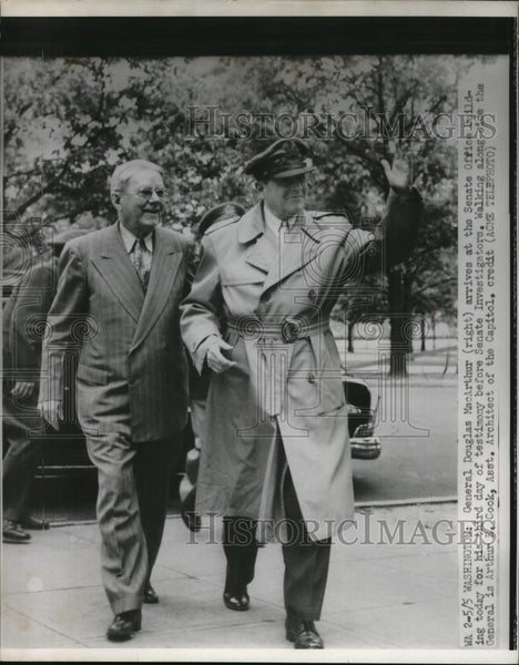 1951 Press Photo General Douglas MacArthur  & Art Cook Asst Architect of Capitol - Historic Images