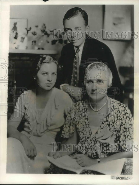 1932 Press Photo Colonel William Donovan's Family the Mrs, Patricia & David - Historic Images