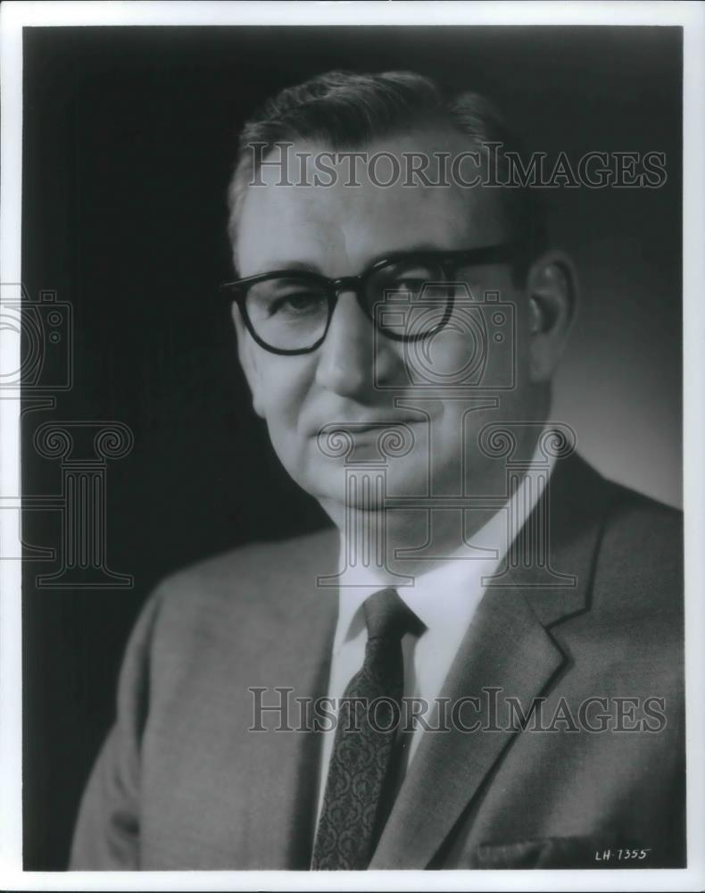 1970 Press Photo Stanley E. Cox General Manager Americana of New York - Historic Images