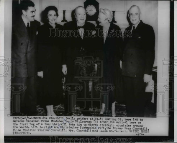 1954 Press Photo Sir Winston Churchill Family gathers at No 1 Downing Street - Historic Images