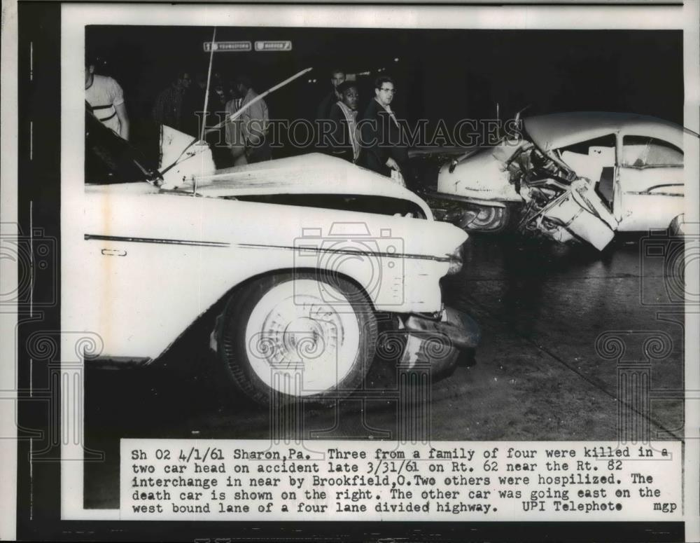1961 Press Photo Two car head on accident on RT 62 near the Rt 82  Interchange
