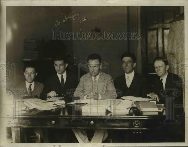 1925 Press Photo Reporters That Carl Mitchell Made His Statement - nee95680 - Historic Images