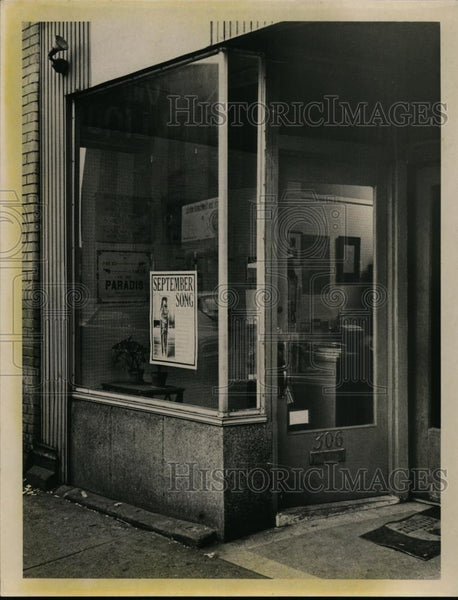 1967 Press Photo Asphodel Book Shop at 306 W. Superior Avenue - nee95040 - Historic Images