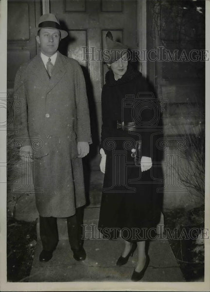 1936 Press Photo Helen Dawes of Chicago engage to Louise F Watermulder - Historic Images