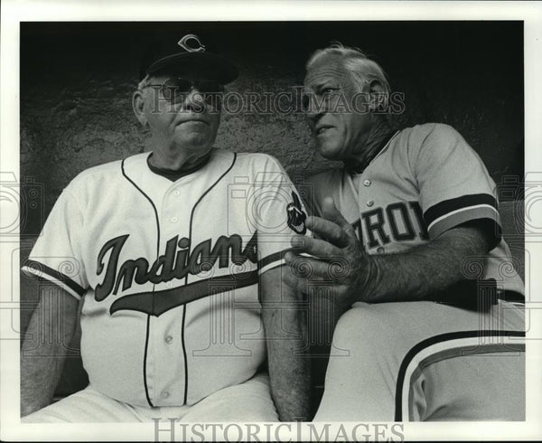 1987 Press Photo Bob Lemon and Sparky Anderson before the game - cvb72297 - Historic Images