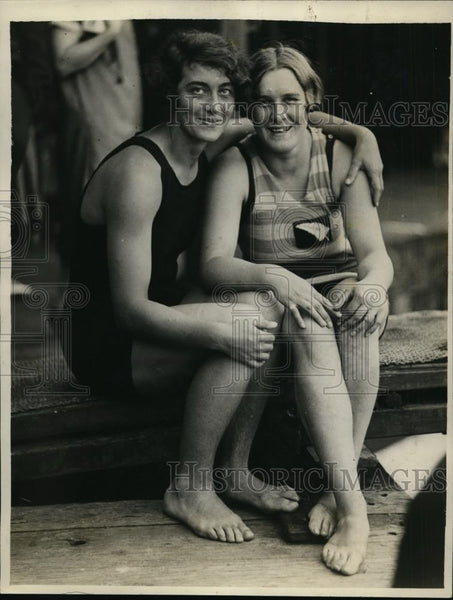 1928 Press Photo Swimmers Ena Stockley, Kathleen Miller. Australian Championship - Historic Images