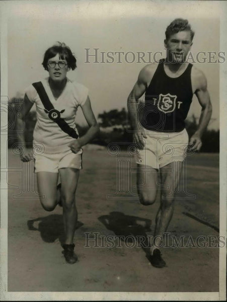 1927 Press Photo June Vrana & Charles Borch in 100 yard dash in 11:03 - Historic Images