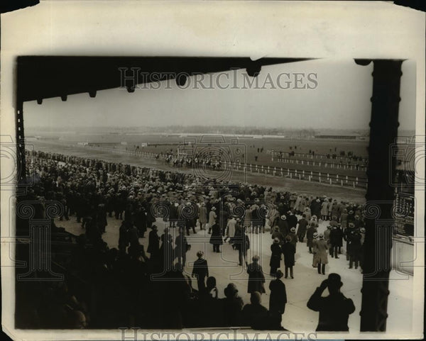 1928 Press Photo Aqueduct track in NY first race of United Hunt season - Historic Images