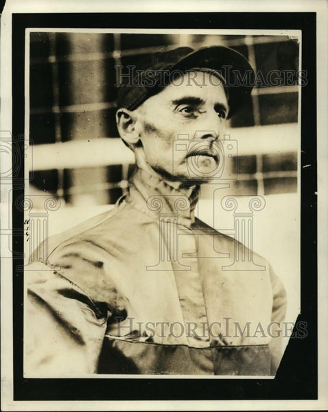 1923 Press Photo John Singleton jockey at a race track - net22273 - Historic Images