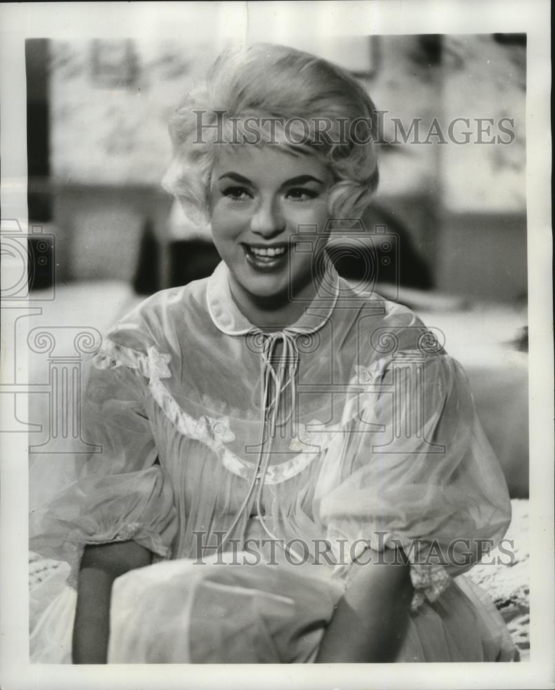 1962 press photo diana dors britain s marilyn monroe writes children historic images 1962 press photo diana dors britain s marilyn monroe writes children s stories