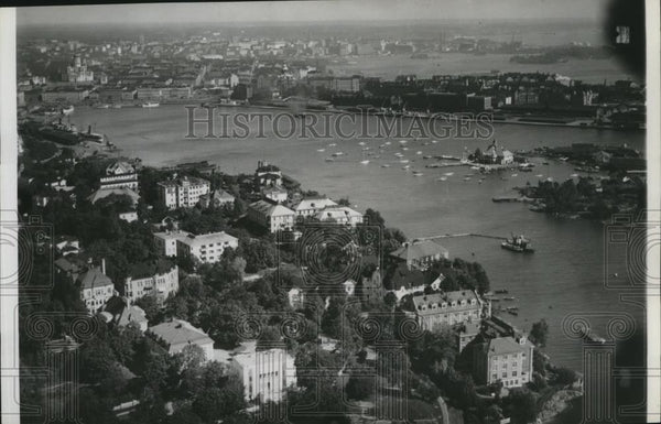 1939 Press Photo Air view of city and harbor of Helsinki Finland - Historic Images