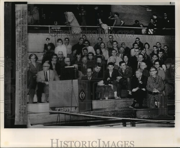 1932 Wire Photo John G. Glen's hometown gathered to view his flight into space - Historic Images