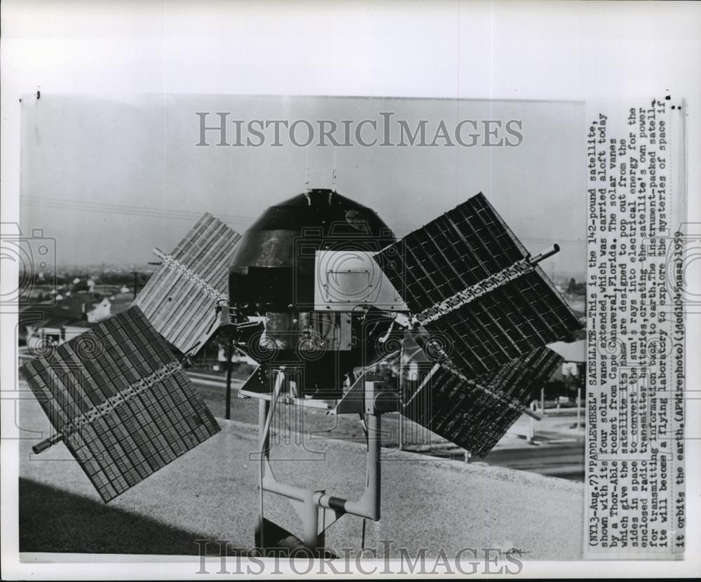 1959 Wire Photo Paddlewheel Satellite loaded to Thor able rocket in ...