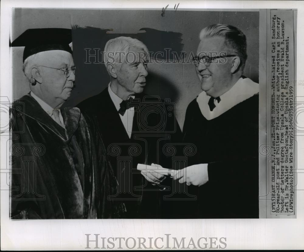 1959 Wire Photo White Haired Carl Sandburg Receives Honorary Doctor Of Letters