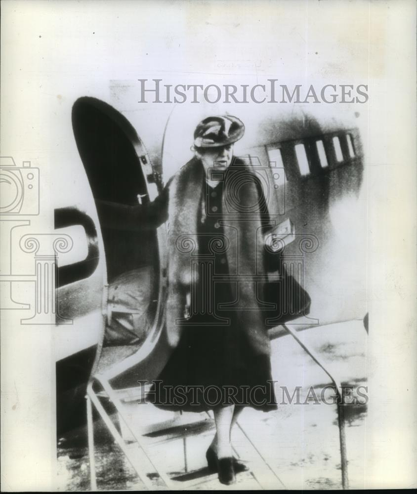 1942 Wire Photo Mrs. Franklin D. Roosevelt flight across the ...