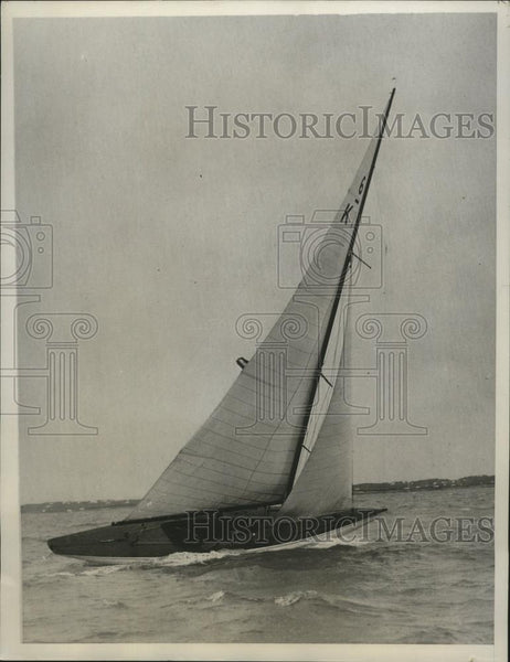 "1933 Press Photo yacht ""Achilles"" during Prince of Wales Cup race in Bermuda - Historic Images"