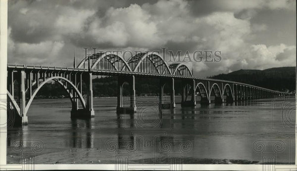 1939 Press Photo Alsea Bay Bridge built of reinforced concrete in Waldport. - Historic Images