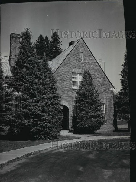 1936 Press Photo Office entrance administration bldg Hutton Settlement - Historic Images