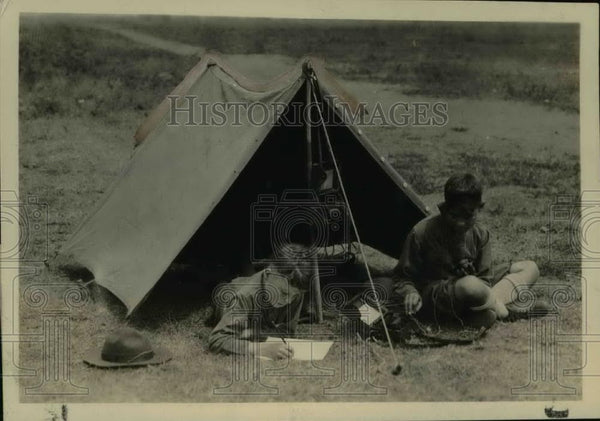 "1922 Press Photo Woodcrafters' Field station set up in ""pup"" tent. - nef34210 - Historic Images"