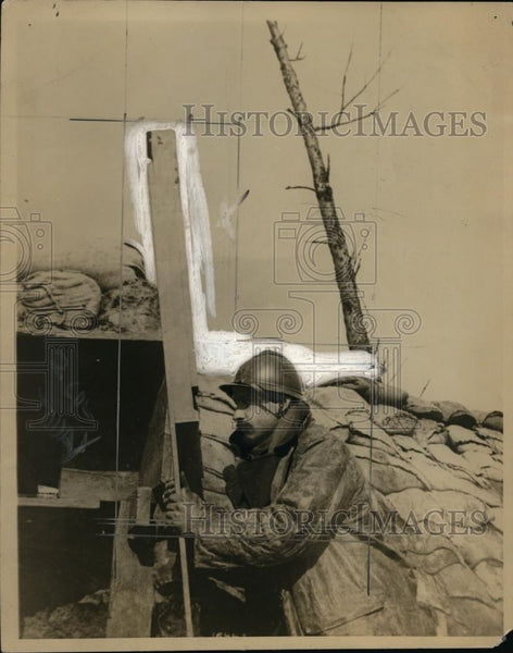 "1918 Press Photo Belgian ""Collector"" Sniper Using Periscope in World war I - Historic Images"
