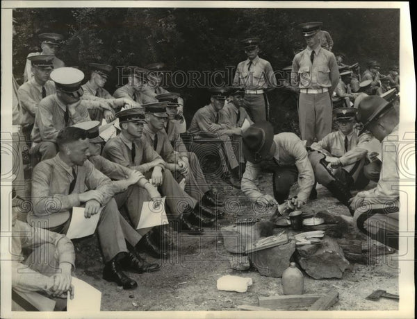 1935 Press Photo US Military Academy plebes prepare flapjack batter, West Point - Historic Images