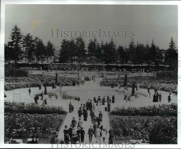 1912 Press Photo Scene from Peninsula Park, Rose Garden  - orb49022 - Historic Images