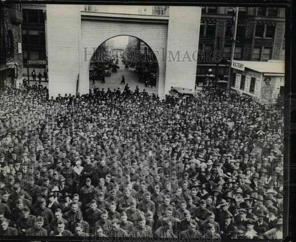 1919 Press Photo Victory Arch - orb59651 - Historic Images