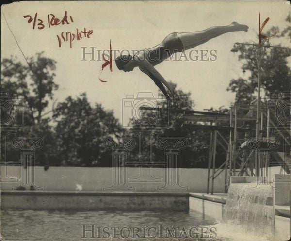 1922 Press Photo Eleanor Smith during a high dive - net31911 - Historic Images
