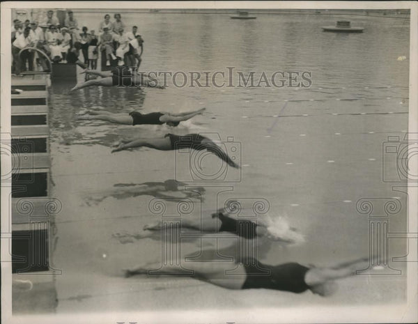 1936 Press Photo The Start Of The 100 Meter Free Style Swimming Final - Historic Images
