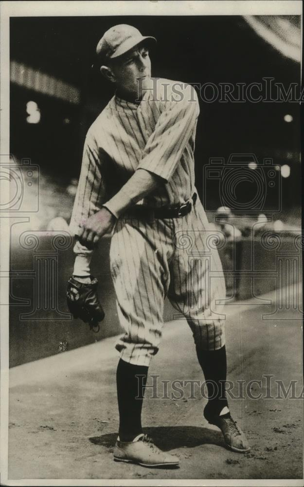 1929 Press Photo Frank Bots Neckola pitcher with NY Yankees - net30408 - Historic Images