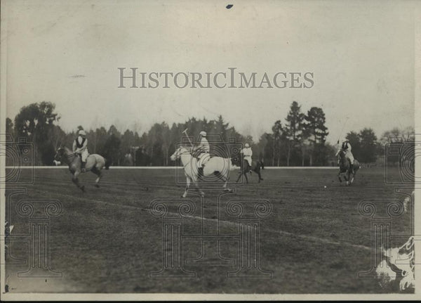 1923 Press Photo Two opposing teams in polo action on the field - net34065 - Historic Images