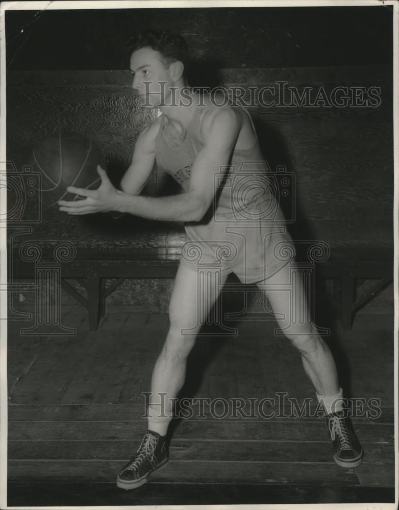 1944 Press Photo Army basketball team player Faas at West Point - net31702 - Historic Images