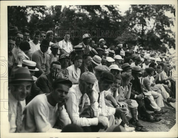 1936 Press Photo Spectators at ball game at Edgewater Park Cleveland Ohio - Historic Images