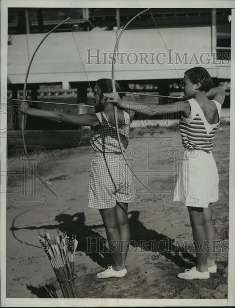 1933 Press Photo sisters Jean Bailard, Jacque Bailard, expert archers - Historic Images
