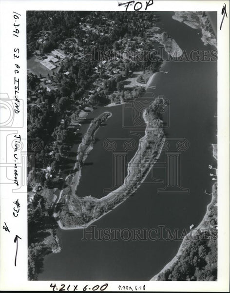 1991 Press Photo Horseshoe-shaped Cedar Island Waiting for a Buyer - orb03651 - Historic Images