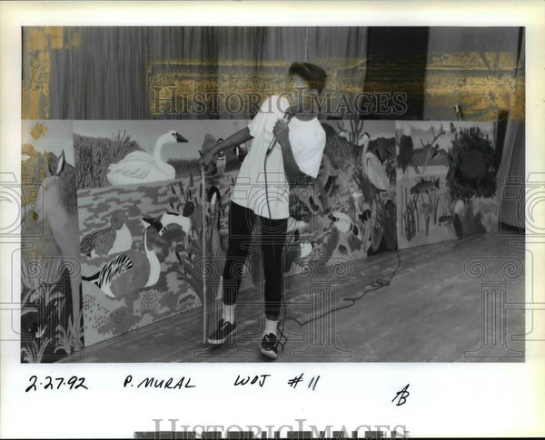 1992 Press Photo Latoya Woods besides mural at George Middle School - orb27165 - Historic Images