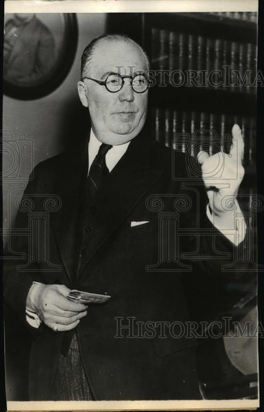 1935 Press Photo Edward Reilly, Chief Counsel for Bruno Hauptmann - spa13307 - Historic Images