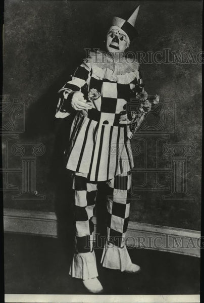 1932 Press Photo Harper Joy business man by Winter clown by Summer - spa15079 - Historic Images
