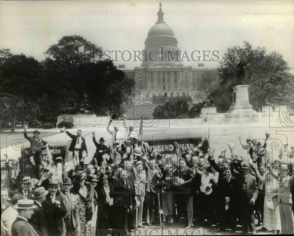 1936 Press Photo Sponsors of Townsend plan in Washington with petitions - Historic Images