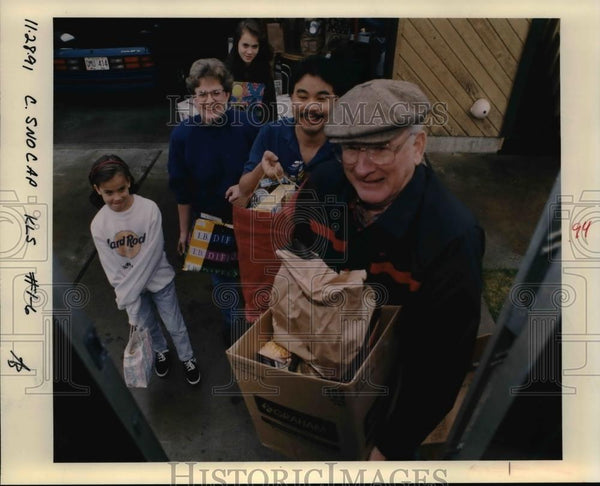 1991 Press Photo Food Drive - orb73282 - Historic Images