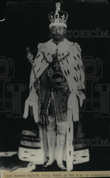 1928 Press Photo King George wearing royal robes at the time of Coronation - Historic Images