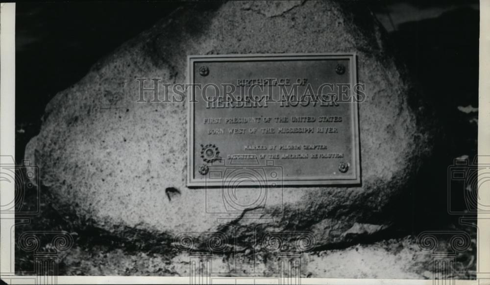 1929 Press Photo Tablet marks the birthplace of President Hoover - spa10769 - Historic Images