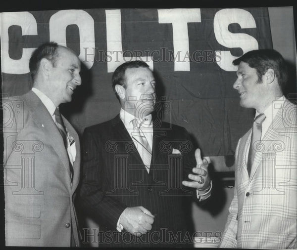 1970 Press Photo Don Klosterman-Colts' Football General Manager in Center - Historic Images