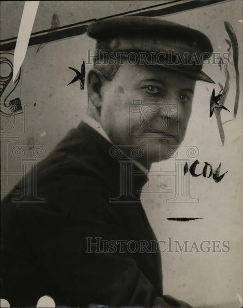 1923 Press Photo Captain Adrian Zeeder in Siberia - neo07579 - Historic Images