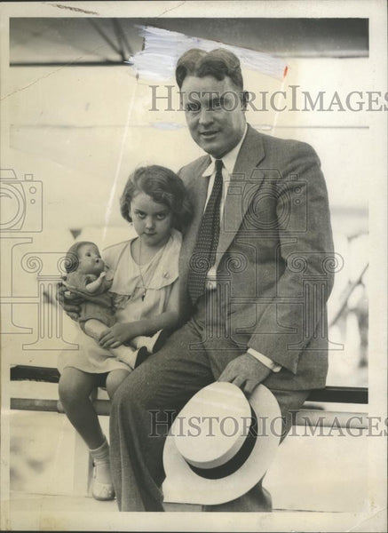 1933 Press Photo James E. Welch & Daughter Irma in Miami, Florida - neo08057 - Historic Images
