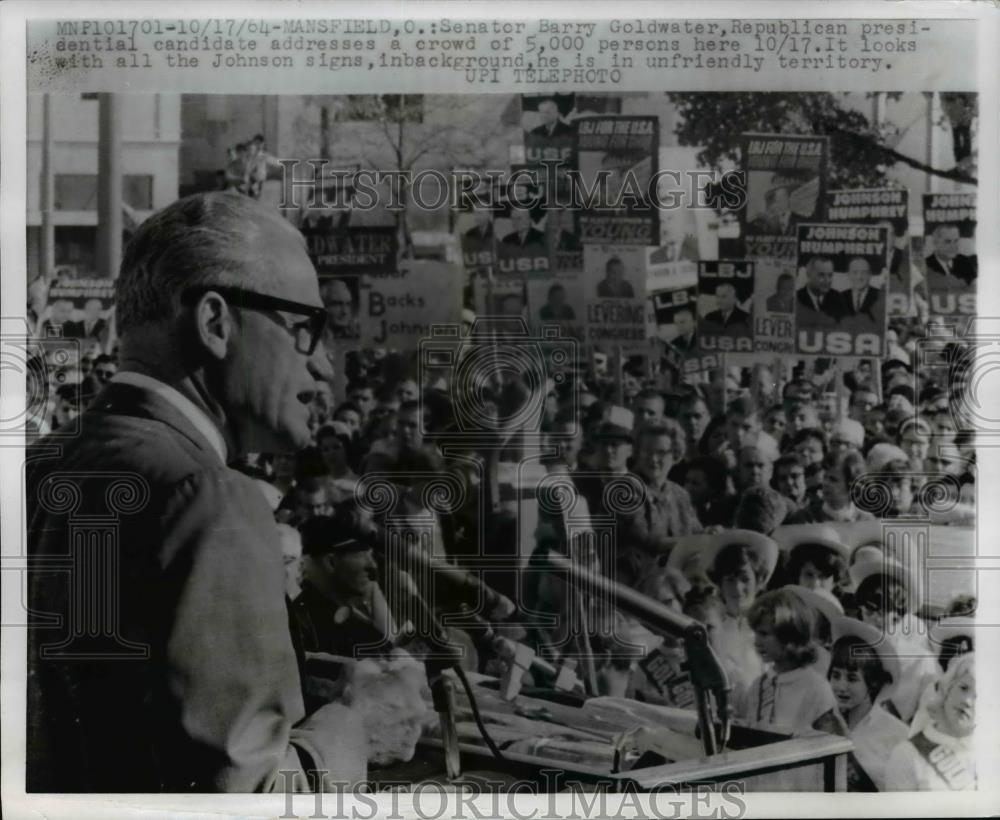 1917 Press Photo Pres. Candidate Senator Barry Goldwater Addresses A Crowd - Historic Images